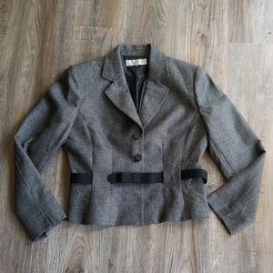 Tahari gray tweed suit jacket size 12 belted wool
